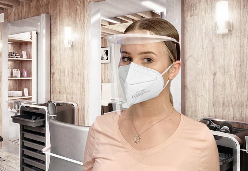 Das Gesichtsvisier Hero Shield von Denman bietet zuverlässigen Schutz vor umherfliegenden Spritzern und Tröpfchen. Es bedeckt das gesamte Gesicht, sodass Augen, Nase und Mund vor Kontaktinfektionen bei gesichtsnahen Tätigkeiten geschützt werden.